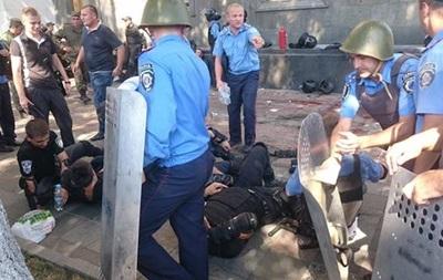 Задержан бросивший гранату под Верховной Радой (ВИДЕО)