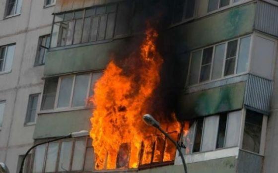 Видео: Пожар в Киеве: горела девятиэтажка на Рокоссовского