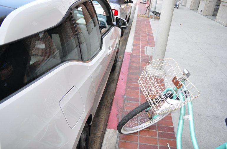«Роботы» паркуются лучше людей