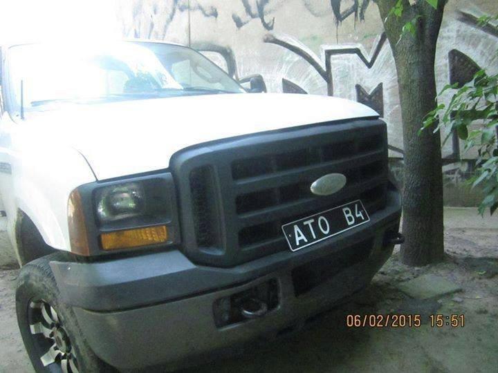 ФОТО: Парасюк забрал себе джип, присланный из Канады для АТО