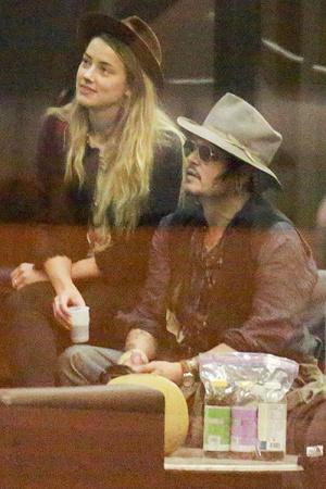 Джонни Депп и Эмбер Хёрд прилетели в Рио-де-Жанейро (ФОТО)