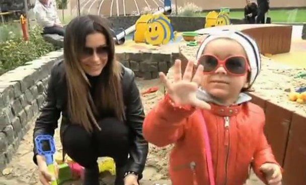 Ани Лорак боится показывать дочь публике (ФОТО)