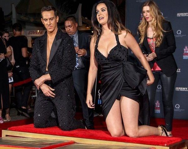 Кэти Перри обнажилась для съемок в рекламе (ФОТО)