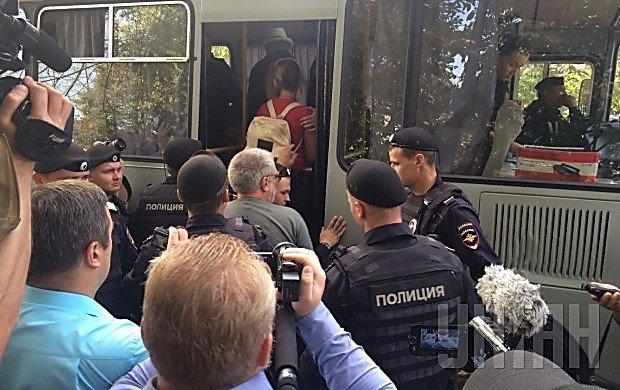 """В Москве полиция задержала участников """"Марша мира"""" (ФОТО)"""