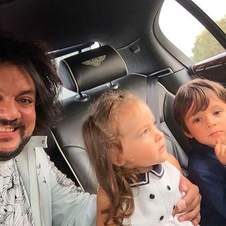 Киркоров отдыхает с детьми в Болгарии (ФОТО)