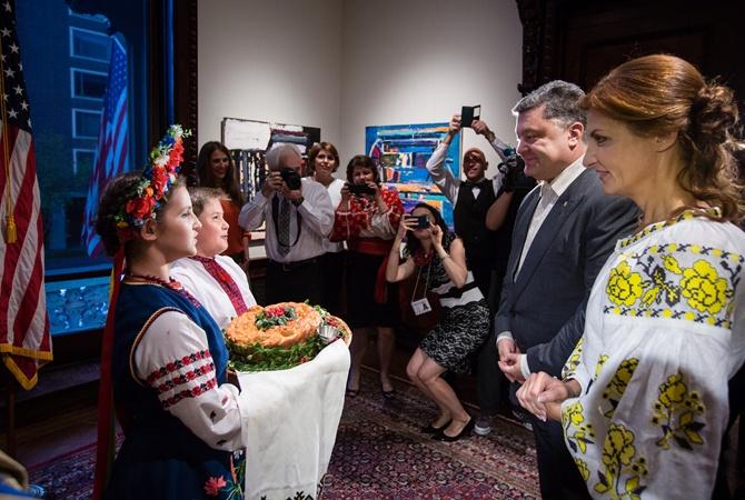Болезнь Порошенко, экскурсия Ложкина и мода от первой леди