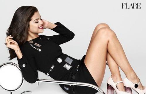Селена Гомес в ноябрьском выпуске журнала Flare (ФОТО)