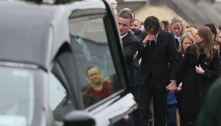 Джим Керри похоронил Кэтриону Уайт