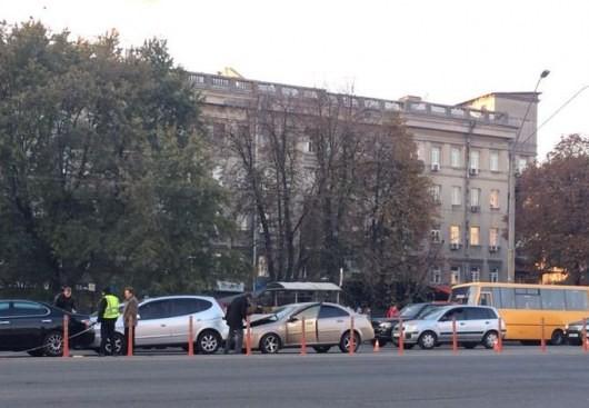 ДТП на проспекте Победы: столкнулись сразу несколько машин