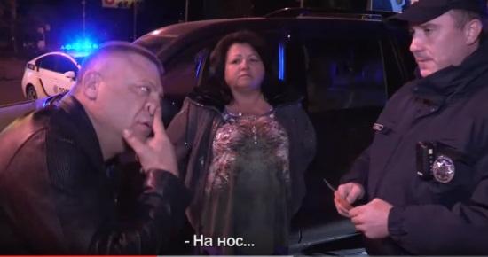 В Киеве пьяный водитель кидался на полицейских (ФОТО, ВИДЕО)