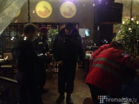 На Печерске в Киеве случилась пальба: есть поврежденные (ВИДЕО)