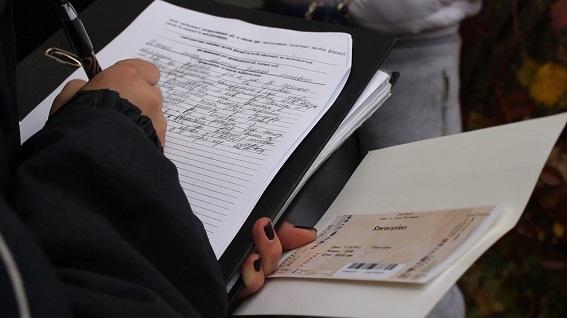 В Киеве агитаторы удивляли избирателей (ВИДЕО)
