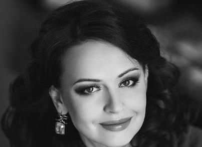Елена Безрукова работала с Сергеем Зверевым