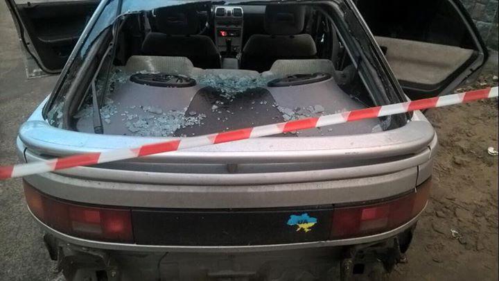 ФОТО: В Киеве сотрудники полиции начали стрелять по автомашине правонарушителя