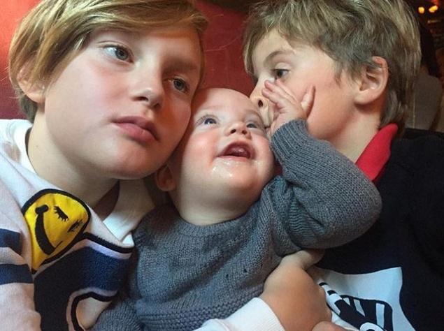 Лив Тайлер продемонстрировала собственных детишек (ФОТО)