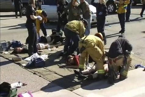 В Калифорнии супруг с супругой застрелили 14 человек на гулянке