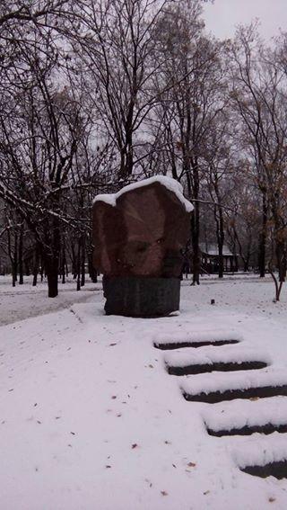 В Харькове разрушен монумент репрессированным кобзарям
