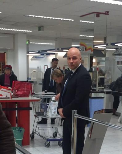 Фото Ангелы Меркель в супермаркете очень приятно изумили