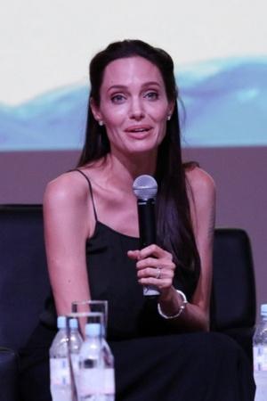 Анджелина Джоли сразила излишней худобой (ФОТО)