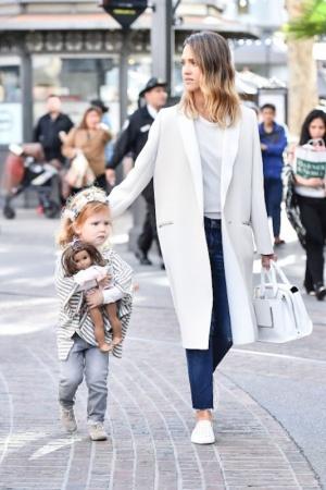 Самые стильные звездные мамы (ФОТО)