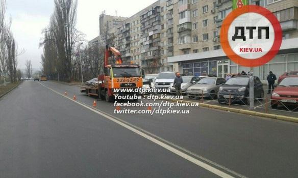 В столице авто патрульных врезалось в забор (ФОТО)