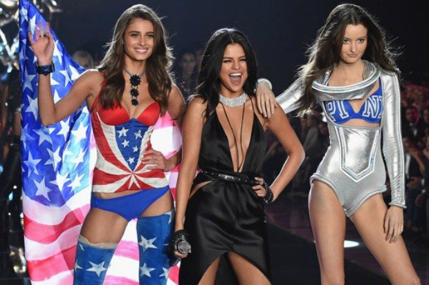Диана Гомес на Torie'с Secret Fashion Show  (ВИДЕО)