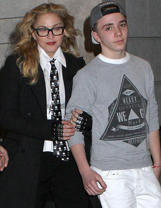 Мадонна не в состоянии организовать отношения с сыном
