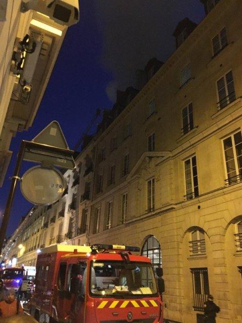 В Париже горит знаменитый отель Ritz (ФОТО)
