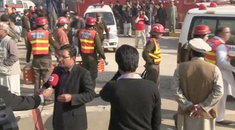 Атака на университет в Пакистане: число жертв растет (ФОТО)