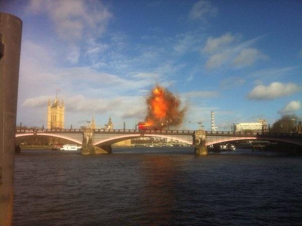 В Лондоне подорвали мост для фильма с Джеки Чаном (ВИДЕО)