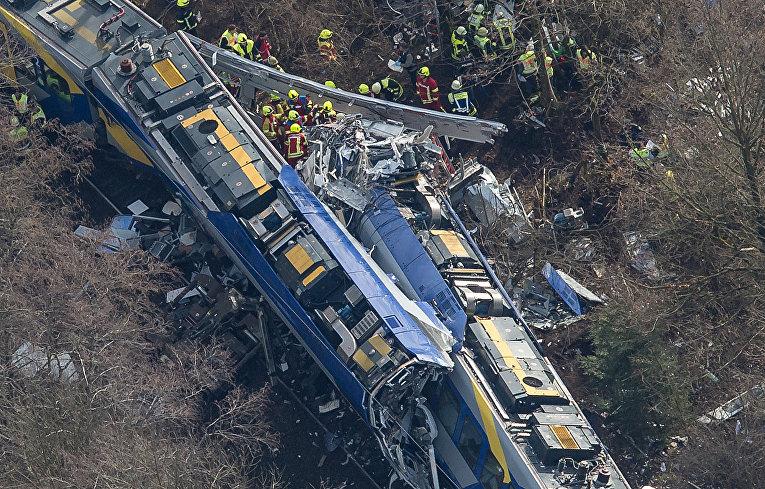 Детали столкновения 2-ух пассажирских поездов в Баварии