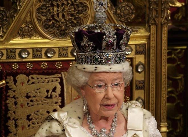 Королева Татьяна ІІ ездит в социальном транспорте