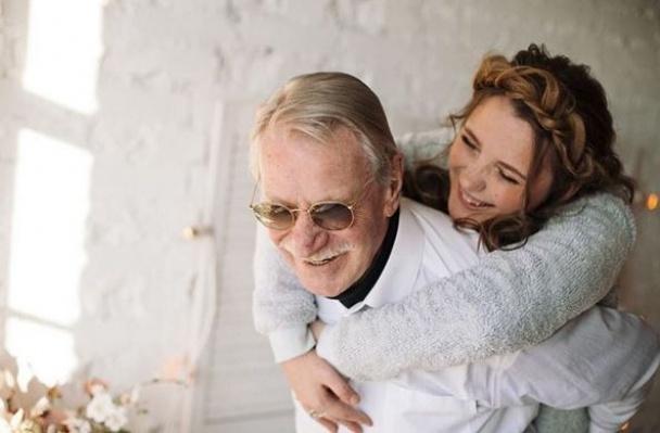 Сессия Евгения Краско с молодой супругой (ФОТО)