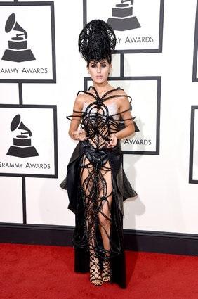 Наихудшие уборы с алой дорожки Grammy 2016 (ФОТО)