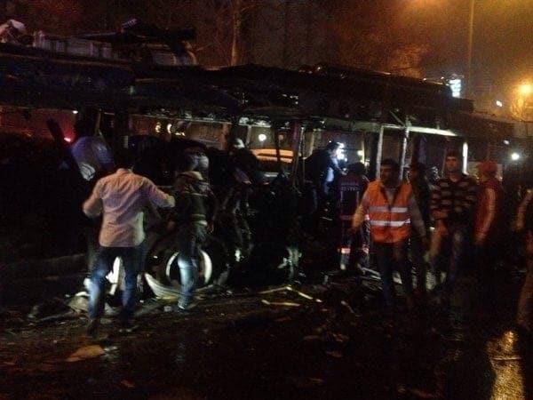 Кровоточащий акт в Анкаре: сотни потерянных (ФОТО, ВИДЕО)