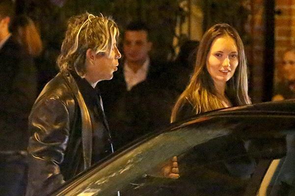 Микки Рурк на свидании с молодой девушкой (ФОТО)