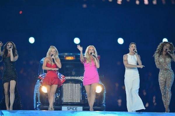 """Экс-солистка """"Spice Girls"""" назвала Викторию Бекхэм стервой"""