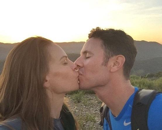 Хилари Суонк сообщила о помолвке