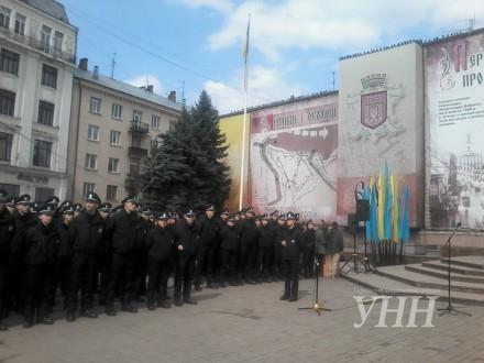 Патрульные теряли сознание во время присяги в Черновцах