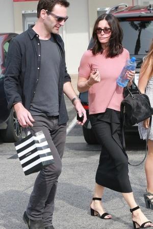 Кортни Кокс с экс-женихом на шоппинге (ФОТО)