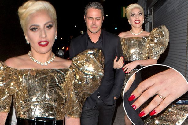 СМИ: Леди Гага скрыто вышла замуж