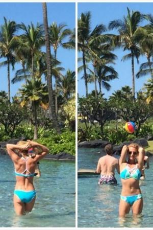 Бритни Спирс опубликовала фотографии с отдыха на пляже