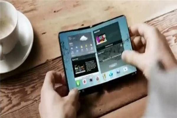 Фото: Samsung представит складной смартфон в 2017 году