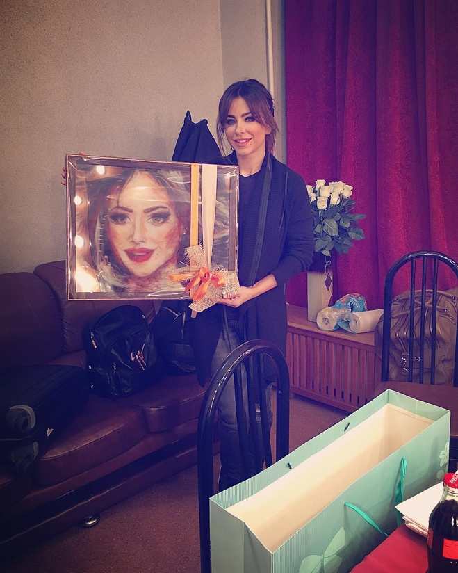 Поклонники Ани Лорак преподнесли оригинальный подарок певице
