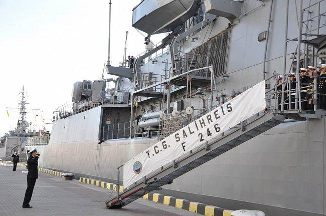 2 военнослужащих фрегата Турции прибыли в Одессу (ФОТО)