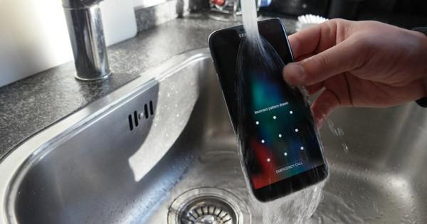 Galaxy Note 6 будет водонепроницаемым и со сканером радужки