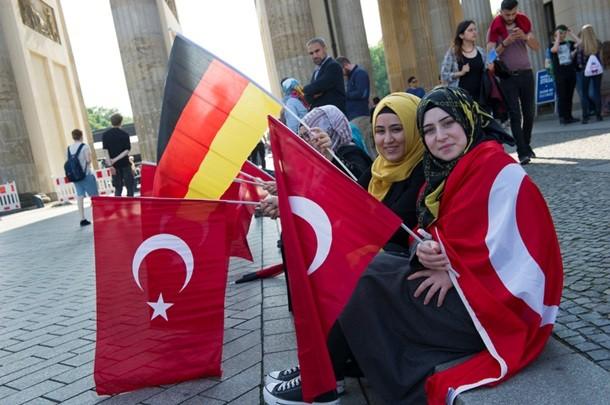 Турция поругалась с Францией из-за армян