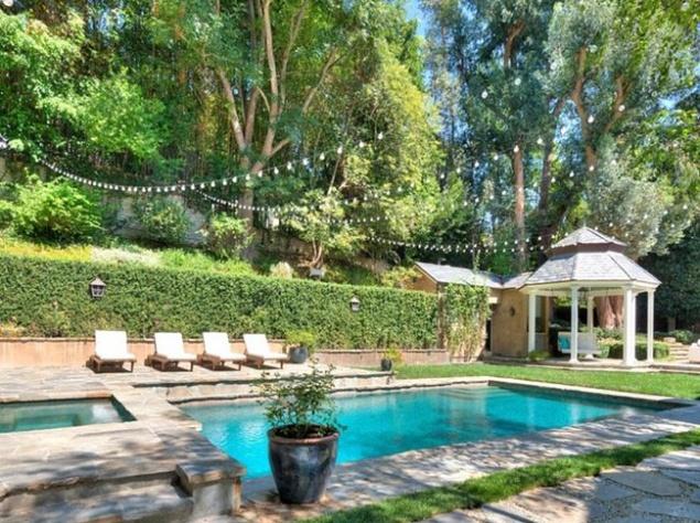 Адель приобрела шикарный коттедж в Лос-Анджелесе (ФОТО)