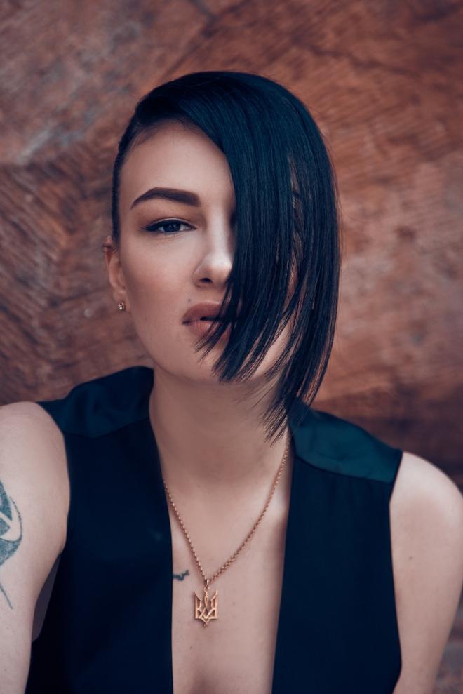 Анастасия Приходько поменяла музыкальный вид и стиль