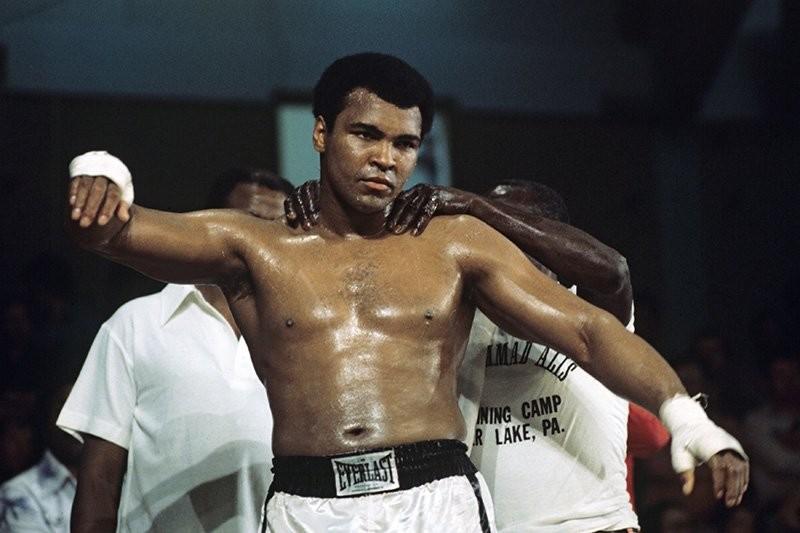 Скончался знаменитый североамериканский боксёр Мухаммед Или (ФОТО)